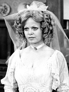TV Weddings  - Gloria and Meathead 1972 (Sally Struthers)