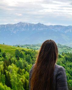 M-aș putea obișnui cu priveliștea asta ♥️ Mountains, Nature, Travel, Naturaleza, Viajes, Destinations, Traveling, Trips, Nature Illustration