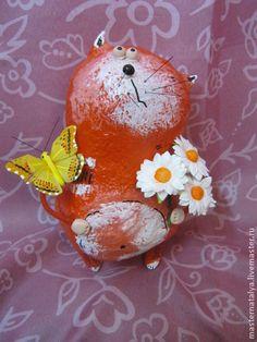 игрушка из папье-маше кот с ромашками - кот,ромашки,бабочка,романтика