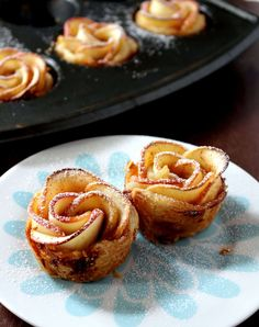 Baked Apple Roses With Puff Pastry - My Cooking Journey Baked Apple Dessert, Apple Dessert Recipes, Mini Desserts, Fruit Recipes, Apple Recipes, Sweet Recipes, Holiday Desserts, Dinner Recipes, Cooking
