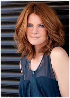 Cool person and pretty much one of the best actresses to ever hit daytime soaps ever. She takes no prisoners in her scenes : michelle stafford Redhead Hairstyles, Long Bob Hairstyles, Thick Hair Styles Medium, Medium Hair Cuts, Lob Haircut Thick Hair, Rachel Haircut, Michelle Stafford, Mid Length Hair, Hair Trends