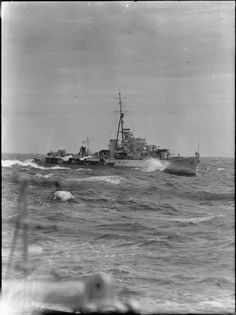 """""""HMAS Quadrant underway in choppy seas. The ship originally HMS Quadrant operated under the pennant number but was transferred to the Royal Australian Navy in 1945 and operated in the British. Navy Day, Us Navy, Naval History, Military History, Flag Display Case, Australian Defence Force, Royal Australian Navy, Famous Photos, United States Navy"""