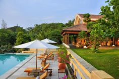 Newly opened in October the luxury three bedroom Summertime villa in Goa is a secluded sanctuary for the soul that's surprisingly close to Calangute beach. Goa Travel, Goa India, Vacation Style, Cheap Hotels, Yoga Retreat, Luxury Villa, Hostel, Lodges, Summertime
