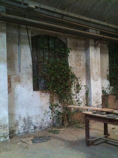 Interno di vecchia fabbrica