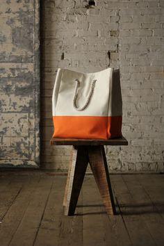 canvas laundry basket \ orange