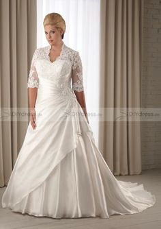 plus size wedding dress                                                                                                                                                                                 Mehr