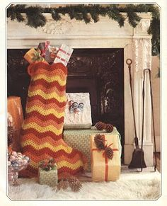 26 Ideas Crochet Christmas Stocking Free Pattern Products For 2019 Crochet Christmas Stocking Pattern, Crochet Stocking, Knitted Christmas Stockings, Holiday Crochet, Xmas Stockings, Craft Patterns, Crochet Ideas, Free Crochet, Navidad