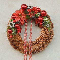 Hydrangea / Šiškový vianočný venček na dvere Christmas Wreaths, Christmas Decorations, Holiday Decor, Home Decor, Decoration Home, Room Decor, Home Interior Design, Christmas Decor, Christmas Tables