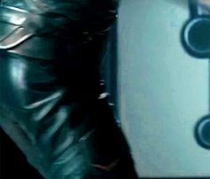 Bless the person who made this gif. =P hehee! Cute Loki butt.
