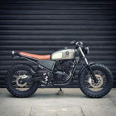 A chunky Yamaha 250 tracker from Brazil's prolific @benditamacchina. We're…
