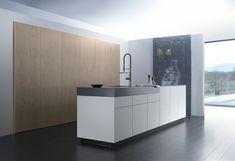 moderne minimalistische Küche Schränke grifflos weiße Kochinsel
