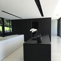 'Minimal Interior Design Inspiration' is a weekly showcase of some of the most perfectly minimal interior design examples that we've found around the web - all Minimal Kitchen Design, Minimalist Kitchen, Interior Design Kitchen, Modern Interior, Minimalist Style, Minimal Design, Kitchen Designs, Kitchen Ideas, Interior Minimalista