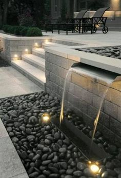 As beautiful as this modern fountain is, remember the most support from water in #Feng Shui is when it flows towards your home. It also needs to be in one of the 4 auspicious locations for this period 8 we are currently in. À essayer à Gatineau! Une magnifique fontaine dans un jardin super.