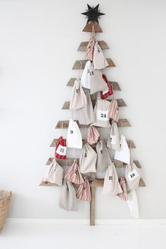 Christmas countdown - awesome tree