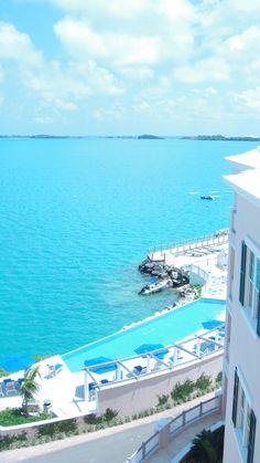 rosewood tucker's point hotel, bermuda. the water is SO blue! GOIN there next summmeerrr can't wait!