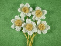 Ravelry: Springtime Wreath, Daisies pattern by Frankie Brown  - Free Pattern