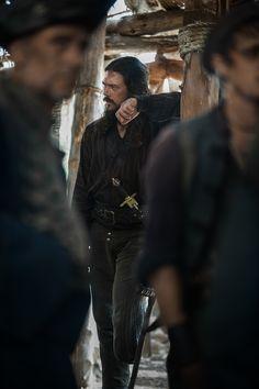 Long John Silver (Luke Arnold) | Black Sails Season 4 Ep. 407