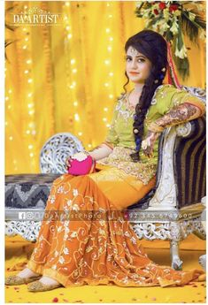 Bridal Mehndi Dresses, Bridal Dress Design, Bridal Style, Wedding Dresses, Lehnga Dress, Lehenga, Pakistani Mehndi, Pakistani Wedding Outfits, Punjabi Suits