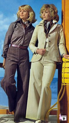 Retro fashion pictures from the and 70s Women Fashion, 60s And 70s Fashion, Fashion History, Retro Fashion, Vintage Fashion, Retro Mode, Mode Vintage, Style Année 70, Smart Casual Women