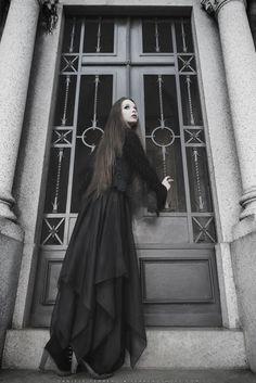 goth crypt - goth, gothic, crypt,cripta, cemetery,cimitero,model,modella,female,beauty,nice,dark,fog,nebbia,style,stile,black, white, contrast,cross,croce