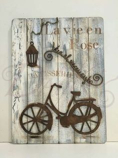 It is necessarily to use reclaimed wood in pallets into shelves, or you cannot find desired material but you still want to create rustic pallet shelves for your Decoupage Vintage, Ideas Decoupage, Arte Pallet, Pallet Art, Wood Crafts, Diy And Crafts, Arts And Crafts, 3d Quilling, Pallet Shelves
