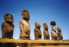 Moai at Ahu Tongariki on Rapa Nui (Easter Island) Bohol, Statues, 7 Natural Wonders, Voyager Loin, Easter Island, Ancient Ruins, South Pacific, World Heritage Sites, Space Travel