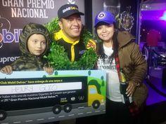 Ganador evento 29 Gran Premio Nacional Mobil Delvac, Esposa e Hijo.