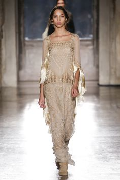 Alberta Ferretti Resort 2019 Fashion Show Collection: See the complete Alberta Ferretti Resort 2019 collection. Look 26