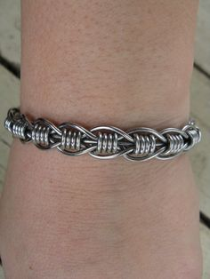 wire bracelet---need to make this!