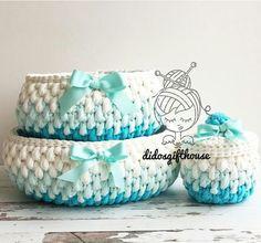 Diy Crochet Basket, Crochet Basket Tutorial, Crochet Bowl, Crochet Basket Pattern, Crochet Art, Filet Crochet, Holiday Crochet Patterns, Crochet Stitches Chart, Crochet Gloves