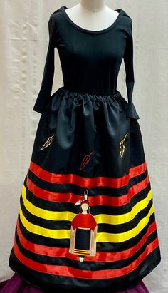Native American Clothing, Native American Fashion, Sewing Hacks, Sewing Projects, Ribbon Skirts, Native Design, Mountain Man, First Nations, Business Ideas