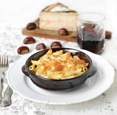 Ricetta Pasta e cavolfiore al forno con scamorza e formaggio Occelli in foglie di castagno