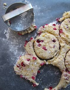 Orange Cranberry Vegan Biscuits. Sounds a bit like scones. I luvs me some scones.