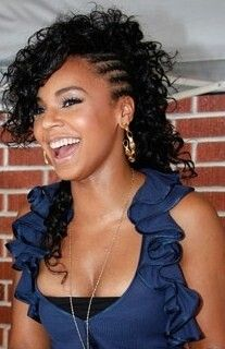 Side Mohawk with curly hair Girl Hairstyles, Braided Hairstyles, Braided Mohawk, Black Hairstyles, Side Braid With Curls, Side Plait, Side Cornrows, Side Braids, Curly Hair Styles