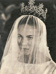 Princess Claude of Orléans, Duchess of Aosta and wife of Prince Amedeo of Savoy, Duke of Aosta, wearing the Aosta Savoy Knot Tiara, Italy (1895; diamonds).