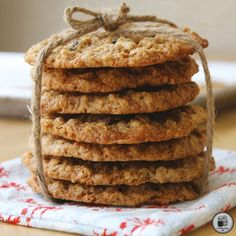Soft & chewy gluten-free oatmeal scotchies cookies loaded with butterscotch chips in every bite. Nobody will be able to guess these cookies are gluten-free! Icebox Cookie Recipe, Icebox Cookies, Lace Cookies, Raisin Cookies, Oatmeal Cookies, Cookie Recipes, Oatmeal Flour, Toffee Cookies, Oat Flour