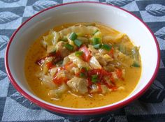 Easy Paleo Crock Pot Chicken Curry with Peppers and Cabbage #PaleoPot
