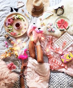 Love everything about this #flatlay with @ hellomissmay