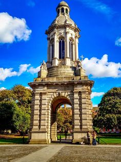 The iconic gate of Trinity College Dublin in Ireland. Only one of the many things you can see on a walking tour of Dublin.