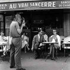 During the filming of Á Bout de Souffle (1960, dir. Jean-Luc Godard).