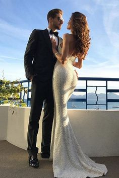 Rock solid: the most magnificent celebrity diamond engagement rings Hot Couples, Cute Couples Goals, Celebrity Couples, Wedding Couples, Rich Couple, Classy Couple, Couple Style, Izabel Goulart, Plain Wedding Dress