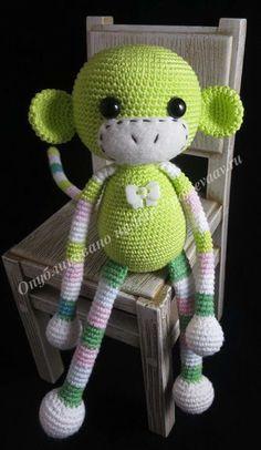 crochet monkey - free pattern (r) Crochet Patterns Amigurumi, Amigurumi Doll, Crochet Dolls, Crochet Monkey, Cute Crochet, Knitted Cat, Little Monkeys, Doll Tutorial, Crochet Animals