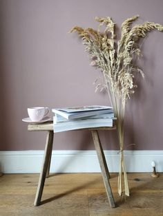 A tall bunch of dried grass similar to pampas long lasting Blue Interiors, Sheepskin Rug, My Coffee, Dried Flowers, Interior Inspiration, Home Accessories, Online Business, Bohemian, Pampas Grass