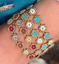 Peyote Patterns, Bracelet Patterns, Beaded Earrings, Beaded Bracelets, Beaded Jewelry Designs, Knot Necklace, Brick Stitch, Beaded Flowers, Bracelets