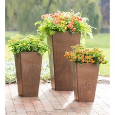 Frost-proof resin composite planters have the look of copper and are practical and durable, for use indoors and out. Use the Resin Planters to add easy-care greenery to doorways, patio, deck or yard. They offer an expensive look at an affordable price. Deck Planters, Resin Planters, Square Planters, Planter Pots, Container Gardening, Gardening Tips, Plant Containers, Ideas Para El Patio Frontal, Flower Pot Design