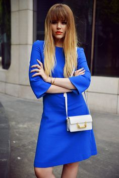 What Wear - Kristina Bazan of Kayture When all else fails, team your orange lip with a complementary hue. The combination of Bazan's tangerine pout and cobalt blue dress makes for a striking and harmonious look. Cute Fashion, Girl Fashion, Womens Fashion, Style Fashion, Jimmy Choo, Cobalt Blue Dress, Saint Laurent, Looks Street Style, Latest Fashion Trends