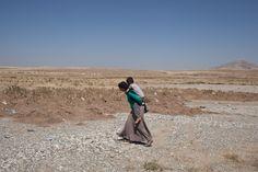 Yazidis cross into Iraqi Kurdistan from Syria
