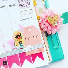 marionsmithdesigns: Can't help but love all the cute stuff @thepapewrtreasury puts on her Marion Smith planner! In love with how she uses inks on our inserts too!