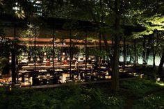 高級リゾートホテル「アマン」世界初のカフェが大手町の森の中に