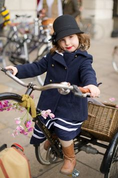 Oh my! She's so cute!   tweed run